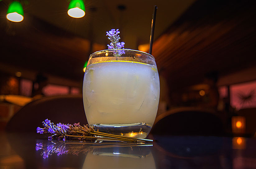 Lavender Lemonade Cocktail Drink